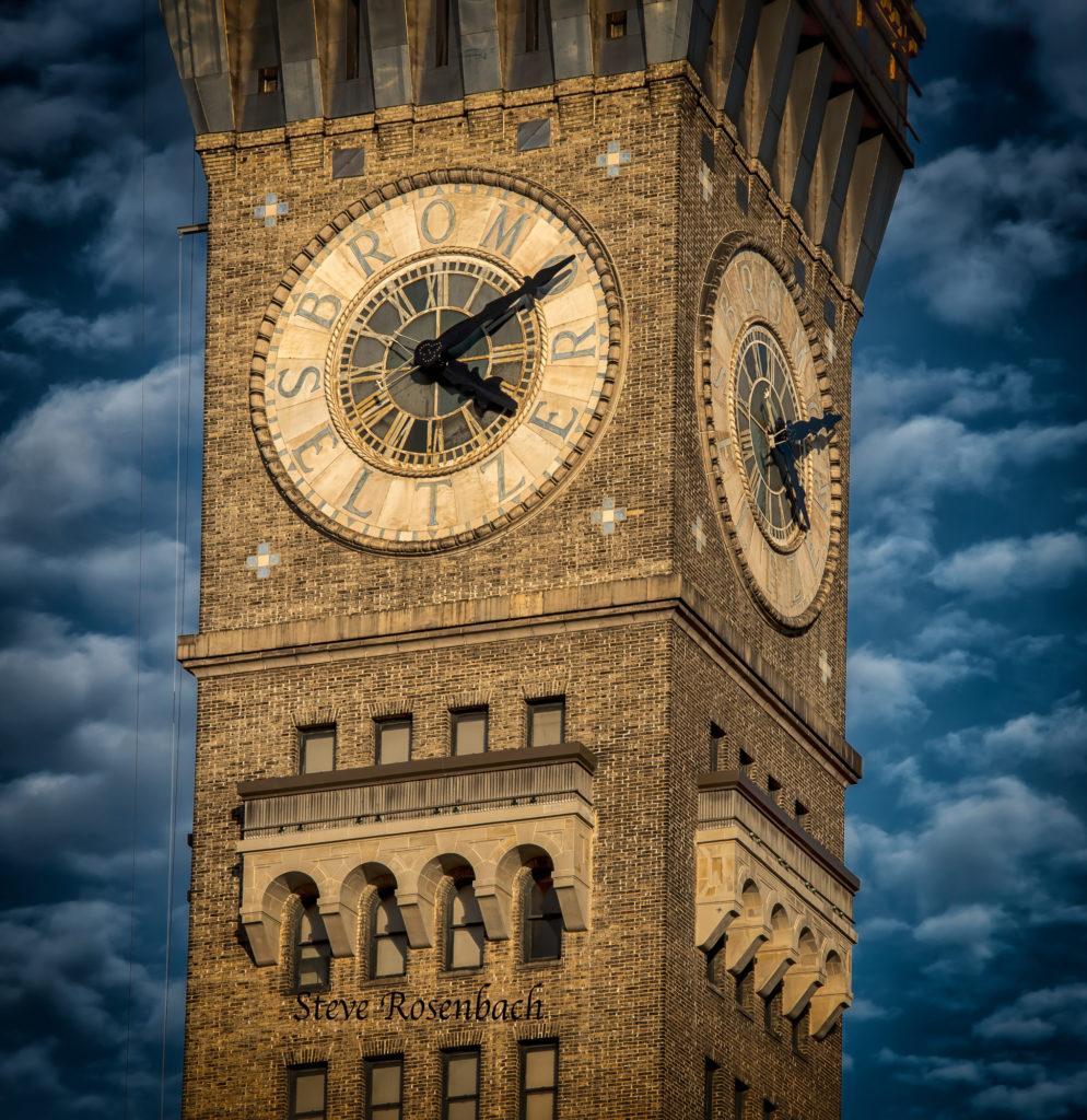 Bromo-Tower-Late-Afternoon-Web_4915-994x1024.jpg